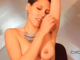 Порно звезды с пирсингом в сосках блондинка 14