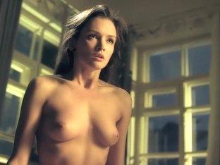 Ottepel S01E01 (2013) Paulina Andreeva