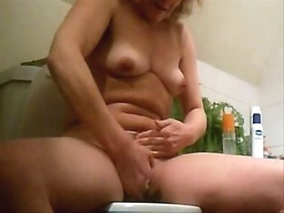 Locely pussy view, candid hidden cam