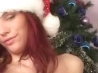 Gorgeous Redhead at christmas (just-drew)