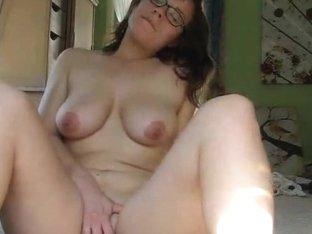 Geeky Brunette Babe Masturbates On Cam