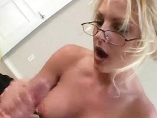 IBuyGFs Video: Sindy Handjob