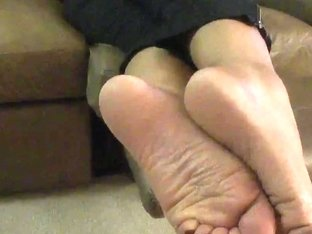 smelly lalin girl wrinkled soles
