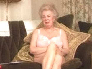 Delightsome Curly Old Granny Fingering Intro