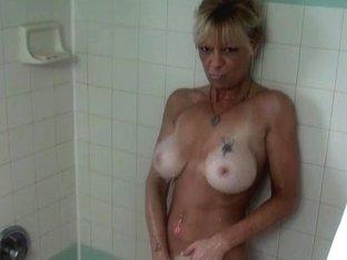 Kinky blonde with big brabazons sucks dick in milf film