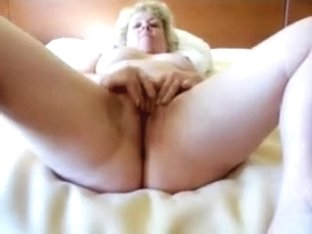 lusciouslips sucking and squirting
