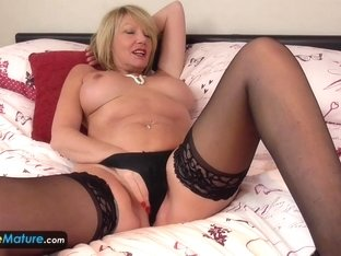 EuropeMature Mature cougar Amy toy joy