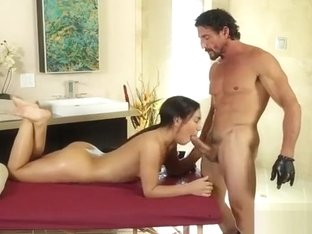 Deepthroater And Brunette Amara Romani Gets Fucked By Tommy