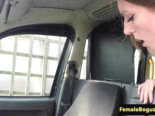 lady taxi driver facefucked by passenger