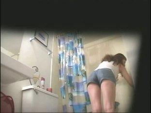 Hot amatuer brunette on hidden shower cam