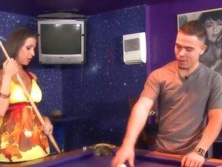 Rachel Roxxx is having fun with her boyfriend