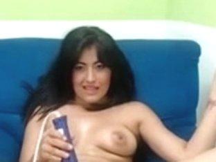 Lalin Girl achinadita jugando con su cuca