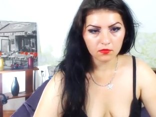 Curvy webcam brunette LeonorAngel