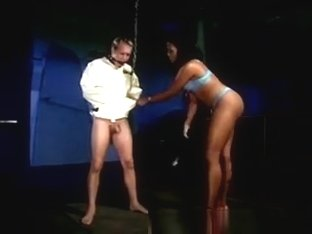 Black Dominatrix Gets Rough With Slave