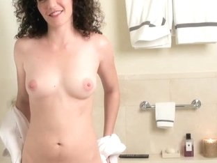 ATKGirlfriends video: Watch Sativa take a bath