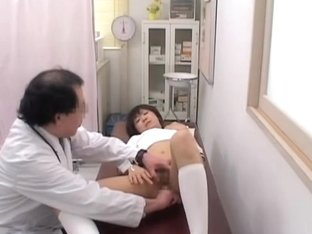 Sexy asian broad gets her cunt examined at the gyno clinic