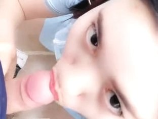 Chinese Cam Girl LiuTing Public Bathroom