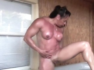 I want to fuck this muscle woman