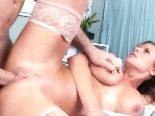 Veronica Avluv gives her patient the treatment
