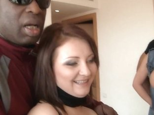 Ebony man licks the feet of a horny milf crazy for rod