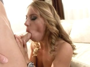 Nikky Thorne gets fat rod entering her butt