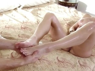 Kendra Lust has her body covered in oil and is fucking very hard