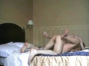 Dude fucks his mistress in a hotel and gives her a facial