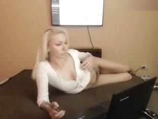 Blonde 6Via_Gra9 in free chat