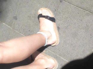 feet in public