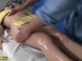 Hot ass brunette Viola sucks dirty masseur
