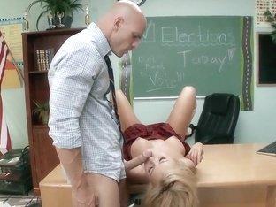 Future school president Jessie Rogers fucks the teacher