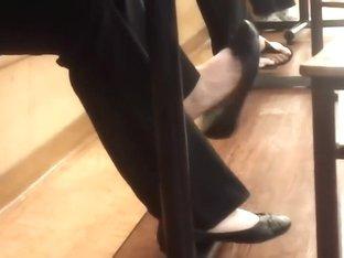 My amateur voyeur vid shows the feet of chicks