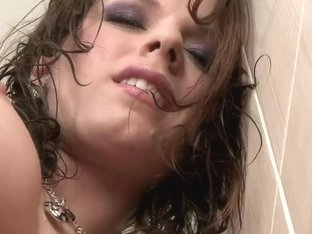 Fantastic pussy stimulation of tender Mona Lee