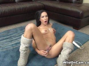 Horny pornstar Tia Cyrus in Fabulous Skinny, Solo Girl xxx video