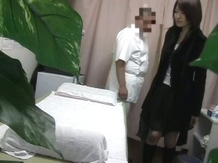 Voyeur massage scenes with man that knows to examine pussy