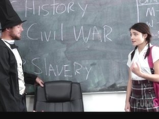 Adria Rae in Gettysburg Undressing