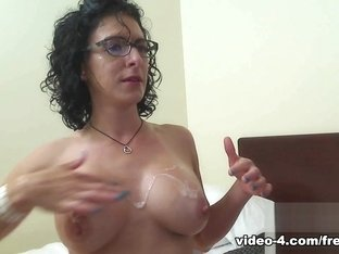 Livecam Intense Blow Job With Facial Cumhot - KinkyFrenchies
