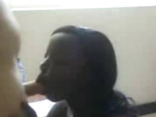 Dark-skinned gal takes a massive facial from a lucky dude