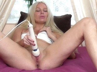 The Female Orgasm: Diana Angel Meets the Wand