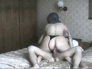 Arab Housewife ridding big dick