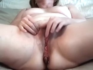 Old and stinky white wife pleases herself with fingers