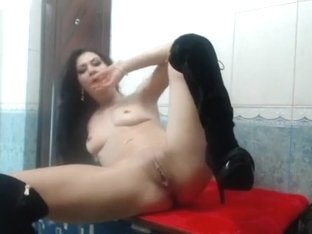 Awesome webcam brunette finger-fucks and fists her pussy and moans loudly