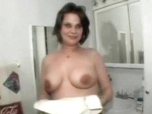 strange jumping tits