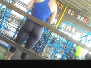 Sporty chick in the gym gets down bloused