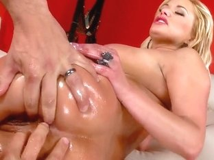Wet and oiled blonde pornstar Shyla slammed