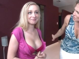 Amazing sound of Nikki Sexx chocking on big sick
