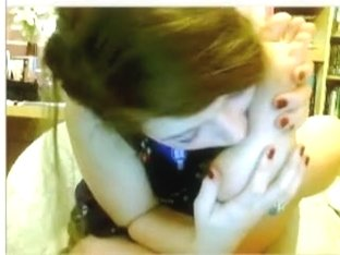 Hawt immature suck her toes on chatroulette