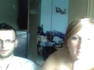 Stacked woman gets kinky on webcam