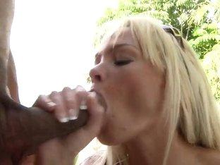 Rhylee Richardson hard fucks her new hot neighbour