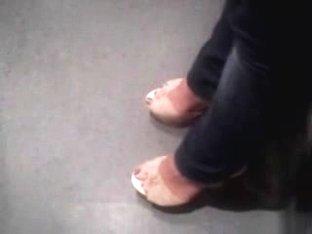 Public Feet 146